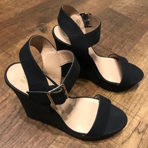 MIX NO. 6 Black Wedges Size 8.5 Women's